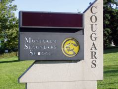 Montcalm Secondary School is nearby.