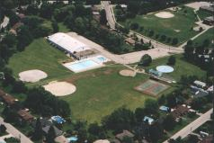 Oakridge Community Centre steps away with ice rink, pool, wading pool, tennis courts, baseball diamonds and playground