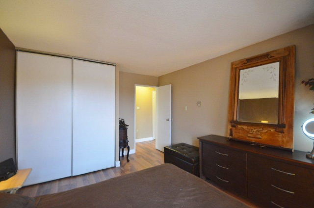Double Closets in both bedrooms